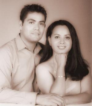 Francisco Rodríguez Alemán y Gloria Graciela Insausti Rodríguez contrajeron matrimonio recientemente.