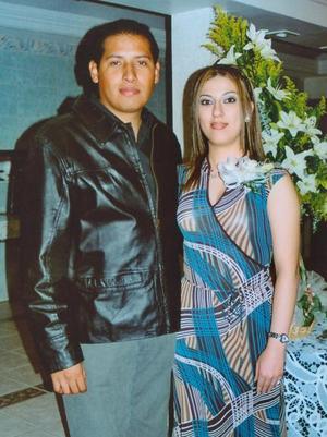 Gerardo Ortega y Laura Navejas contrajeron matrimonio recientemente.