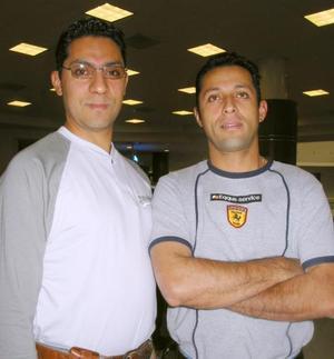 Luis y Jorge Flores Farías.
