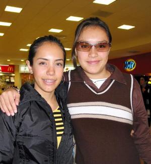 Marcela Torres y Laura Espinoza.