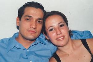 <u> 27 de diciembre<</u> <p> Javier Pimentel y Karla A. Armendariz contrajeron matrimonio recientemente.