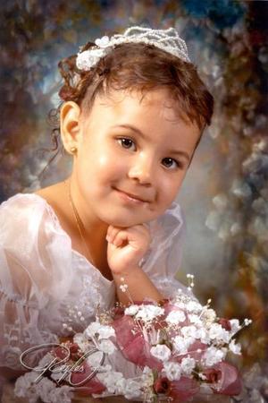Niña Rosaura Pichardo Mireles en una fotografía de estudio con motivo de sus tres años de vida es hija de los señores, Ambrosio Pichardo Ávila y Rosaura Mireles Núñez.