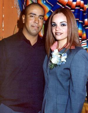 Sr. René Montellano Chávez y Srita. Alejandra Sánchez Tovalín contrajeron matrimonio civil el viernes 26 de diciembre de 2003.
