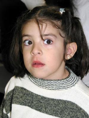 La pequeña Jennifer Ruelas Pérez fue captada en reciente festejo social.