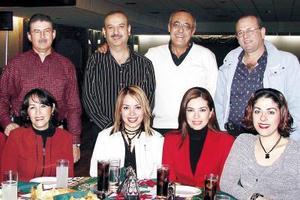 <u>30 de diciembre de 2003</u>  Natalia Sánchez, Itzel Alcántar, Laura Ramírez, Silvia Nájera, Liliana Acuña, manuel  Acuña, Enrique Mewry, Óscar Rodríguez y Eduardo campos, en su posada navideña.