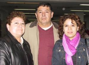 <u>30 de diciembre de 2003</u> Retornó a San Francisco, Cal, Liliana Espinoza y la despidieron Margarita de Espinoza y Francisco Espinoza.
