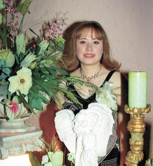 <u>03 de enero</u><p> Lic. Ana Lilia Díaz de León fue festejada por su próximo matrimonio con René Iván Ramírez.