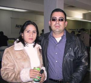 Edgardo Ramírez Castillo se trasladó  a la Ciudad de México en plan de trabajo, lo despidió Catalina García.