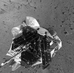 La llegada del Spirit fue el clímax de un fin de semana de descubrimientos interplanetarios después de que una nave espacial estadounidense capturó el viernes partículas de un cometa en un hecho sin precedentes que podría ofrecer a los científicos claves sobre la formación de la Tierra.