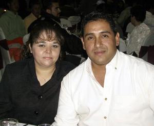 Señora de Valdez y Antonio Valdez.