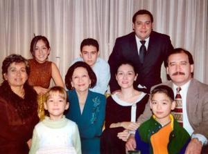 Familia Wong Sánchez en pasada reunión con motivo de la Nochebuena.