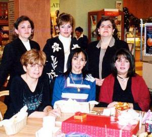 Martha de Chibli, Sandra de Fausto, Caro de García, Laura de Robles, Paty de Albuquerque y Caty de Bejarano