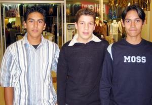 Carlos Anaya, Emmanuel Álvarez y Noé Martínez.