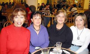 Rita Quiroz, Micra de Vega, Cristina Castañeda y Lupe Meléndez captadas recientemente.