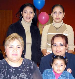 Alma Rebeca Villa Carrillo, Linda Carillo, Margarita González, Ilse Selene Estrada e Ileana Paola Estrada.