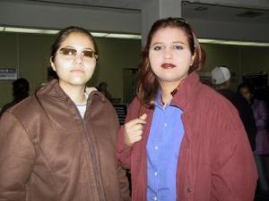 Janette Cedillo regresó a Tijuana luego de recibir el nuevo año en La Laguna, fue despedida por Martha Cedillo.