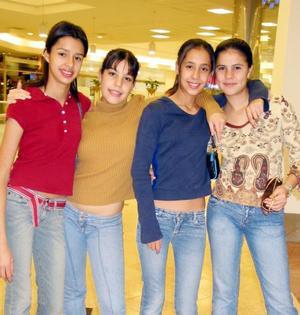 <u>07 de enero</u><p> Macela Valdez, Miriam Gidi, Laura Enríquez y Susy Aguirre.