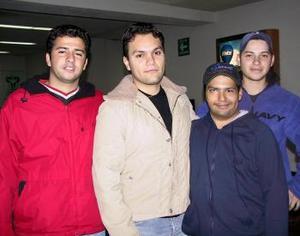 <u>07 de enero </u><p>  Froylán Aguirre se trasladó a Londres donde estudiará durante seis meses, lo despidieron Jezael Hernández, Mario Valdez y Laurentino Quintanar.