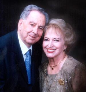 José Jiménez García y Abigail Saracho Jiménez celebraron sus bodas de oro en el 2003.