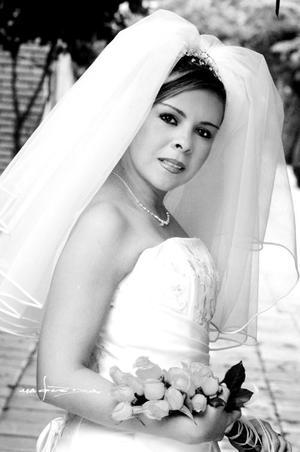 Srita. Silvia Patricia Garay Contreras el día de su enlace nupcial con el Sr. Erik Ludwing Cano Robledo. <p> <i>Estudio Carlos Maqueda<i>