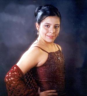 Srita. Marcela Pérez Domínguez cumplió quince años de vida en días pasados y lo celebró con un festejo acompañada de sus padres, amigos y demás familiares