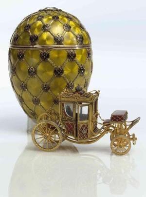 Una colección de piezas de Fabergé valorada en 90 millones de dólares y que incluye ocho huevos que pertenecieron a la familia imperial rusa, será subastada en abril próximo en Nueva York. <u>Imagen:  El huevo de la coronación</u>