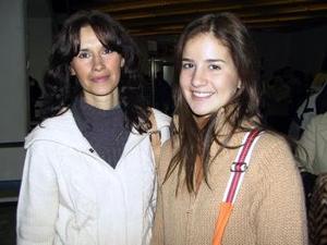 Mariana Peña y Magda Cater viajaron a la capital para visitar a sus familiares.