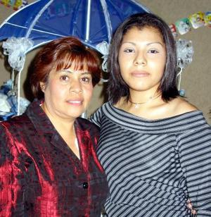 </u> 09 de enero </u> <p> Yadira Hidere Correa Rodríguez con su mamá María Eugenia Monárrez el día de su cumpleaños