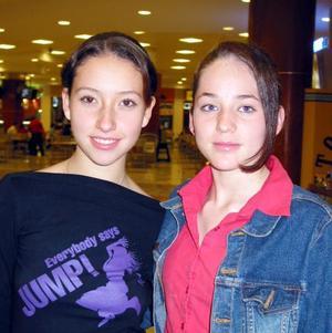 Adriana Vigne y Rubí Castañeda.