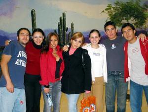 Javier Martínez, Tania Hernández, Jazmín Juárez, Violeta Juárez, Hansel Muñoz, Rodrigo Martínez y José Luis Martínez.