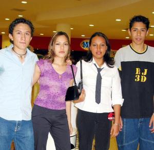Iván Espinoza, Ana Rodríguez, Jennifer Rodríguez y Raúl Barraza.