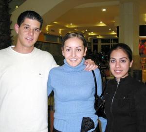 Jorge Dïaz de León, Marcela Enríquez y Margarita Alvarado.