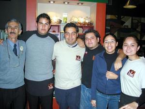 Lauro García, Jorge Caldera, Pepe Hinojosa, Beny Covarrubias, Perla Lozano y Daniela de Santiago.