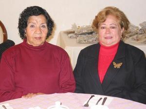 Ofelia de Varela y Margarita de Villarreal.