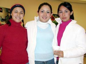 Pamela Ontiveros, Karina Martínez y Brenda Cázares.