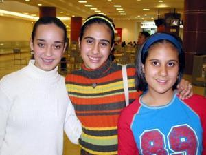 Pily Martúnez, Ivonne Samaniego y Mariana del Bosque.