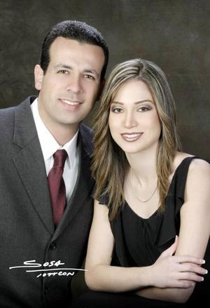 <U>11 de enero </u><p>  Ing. Amando Fernández Abularage  e Ing. Ana Elisa Viesca Corrales efectuaron su presentación religiosa el nueve de enero de 2004.