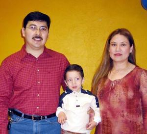 Alan Armendáriz Estrada celebró su tercer cumpleaños con una divertida fiesta infantil organizada por sus papás Ernesto Armendáriz y Lorena Estrada de Armendáriz.