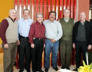 -Ramón Iriarte, Javier Iriarte, Salvador Jalife, Jorge Pérez, Jesús Campos y Sergio Berlanga.