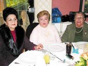 Rosina Guerrero de De Alvarado, Queta de Cuéllar y Trini de Landeros.