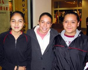 Claudia López, Leticia Thompson y Karla Cantú.