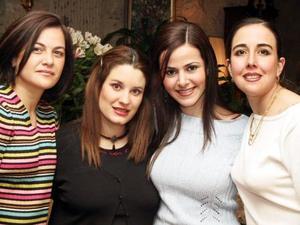 Gloria, Kory y Maru acompañaron a Márgara Dueñes Correa en su despedida de soltera