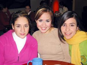 Carla Farías, Ale Cabrera y Gaby Barrón.
