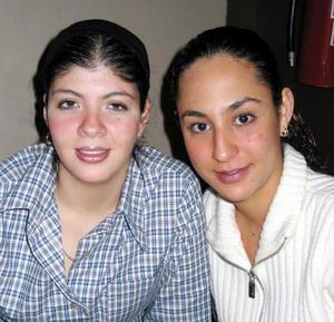 Roxana Montañes y Tania Mansur.