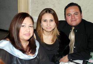 <U>14 de enero </u><p> Sidalia Vega Huerta, Kathia Castelán Muñoz y José Ruiz Ordoñez