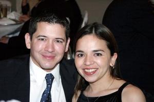 Leobardo Velázquez Arena y Aracely Torres Saldaña en una agradable velada.