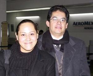 <u> 15 de enero </u> <p> Mayeth Mijares se trasladó a Houston Tx, por asuntos de trabajo, la despidió Luis Martínez.