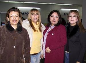 <u> 16 de enero</u> <p> Gabriela Sterling  y Mary Tere García, Lorena de la Fuente y Laura Garnica viajaron a Ixtapa para asistir a una convención de ventas.