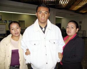 Retornó  a Tijuana B.C. donde trabaja, Horacio Palacios, lo despidieron Paulina y Lourdes Álvarez.