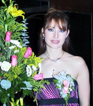 Claudia Elizabeth Tovalin Perales contraerá matrimonio con el señor Raymundo Ramón Rojas, el próximo 31 de enero.